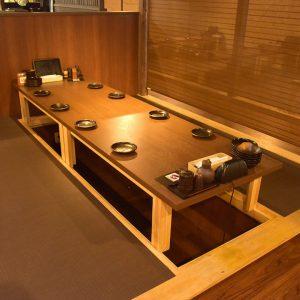 小倉にあるプライベート利用にも最適な個室空間がある居酒屋【炭火焼鳥酒家 ごちや 小倉店】